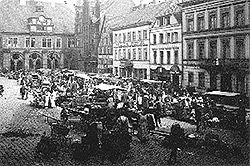 Markt vor dem Mindener Rathaus um 1900